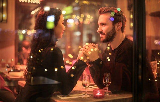 Ongrijpbaar tijdens het daten